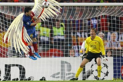So that\'s how Messi managed to score THAT goal!