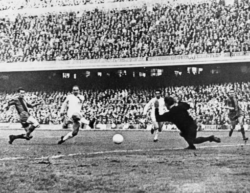 Soccer - Spanish La Liga - Real Madrid v Barcelona