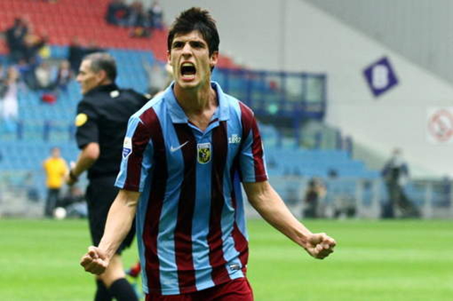 Video Chelsea Youngster Lucas Piazon Scores Twice For Vitesse Arnhem Against Pec Zwolle Caughtoffside