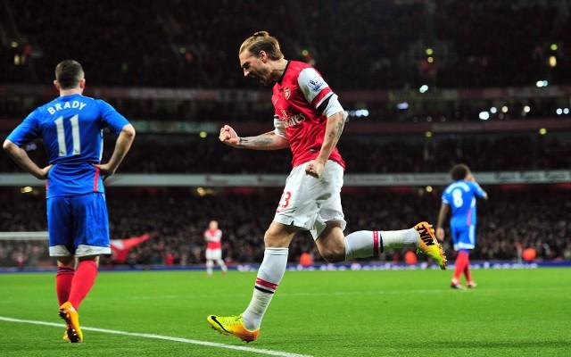 Nicklas Bendtner Arsenal goal v Hull City