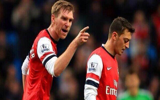 Mesut Ozil Per Mertesacker Arsenal