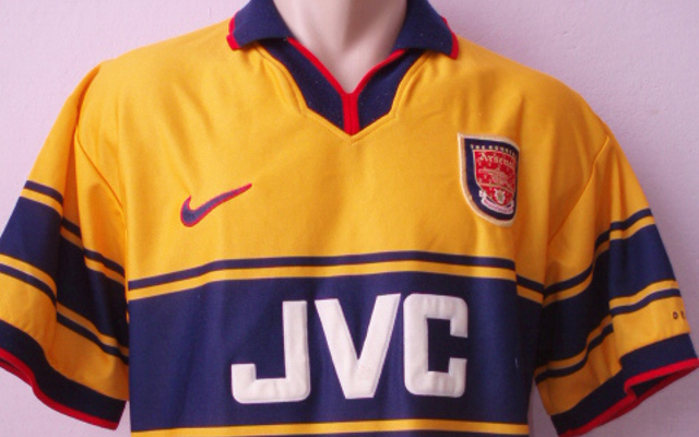 cheap for discount e82e2 aac68 Top 10 Arsenal Shirts Ever, Including Invincibles Kit ...