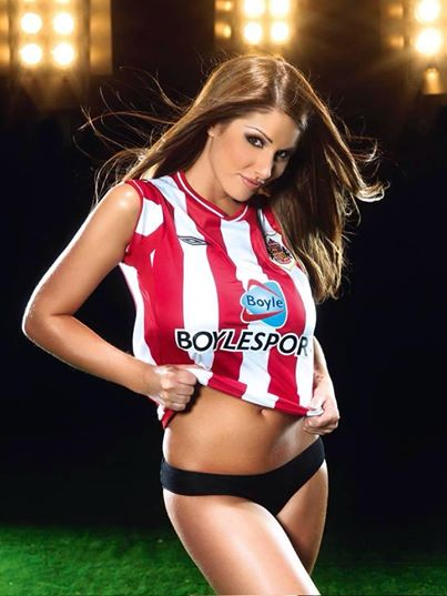 Stunning Gallery 50 Really Hot Women In Football Shirts -4039