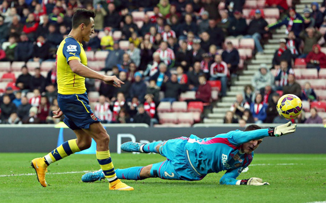 Alexis Sanchez Arsenal Vito Mannone Sunderland