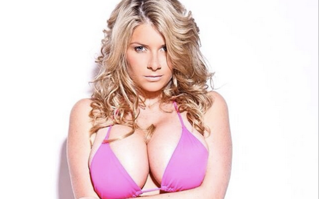 de31e04c8c Hot Photo Gallery! Check Out The Girlfriend Of Darts Star James Wade ...