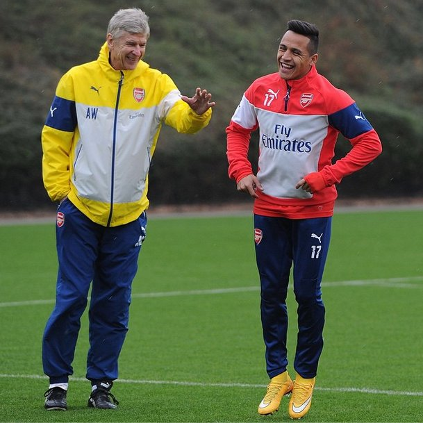 Arsene Wenger driving Alexis Sanchez wild with epic banter