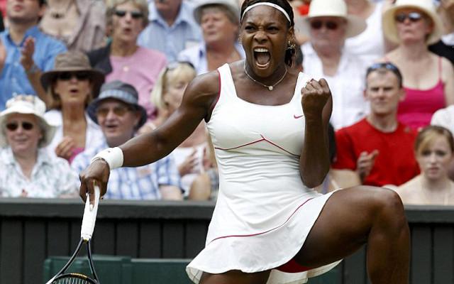 6872be7033 (Image) Glamorous Tennis Star Serena Williams Poses With Caroline Wozniacki  And Coaching Duo