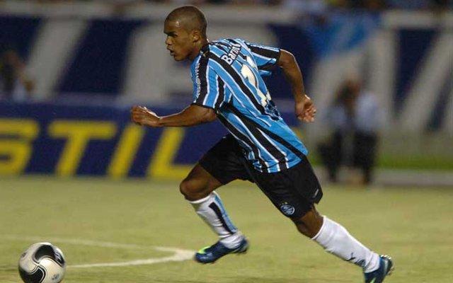 Douglas Costa Gremio