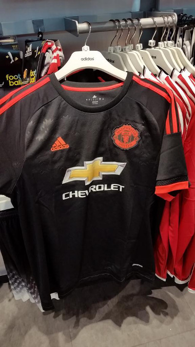 Man United shirt