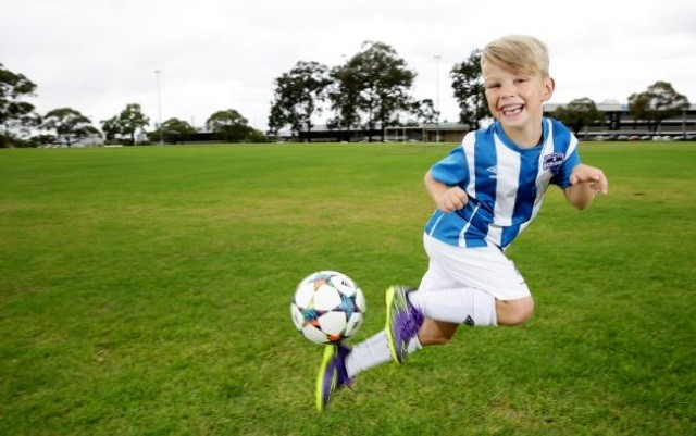 Ari Kum Video Watch Clip Of 6 Year Old Wonderkid Set For Trials With Real Madrid Juventus Man City