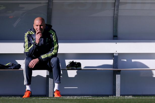 Zinedine-Zidane-First-Training_0127