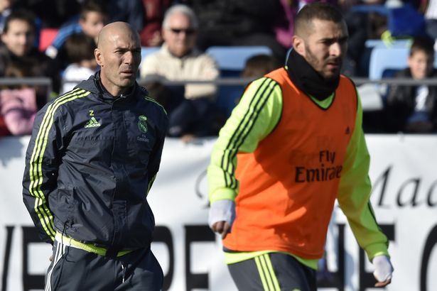 Zinedine-Zidane-First-Training_0131