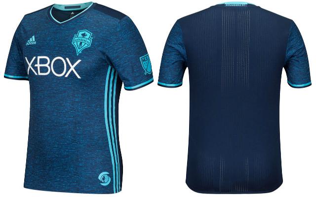 Seattle Sounders kit 2