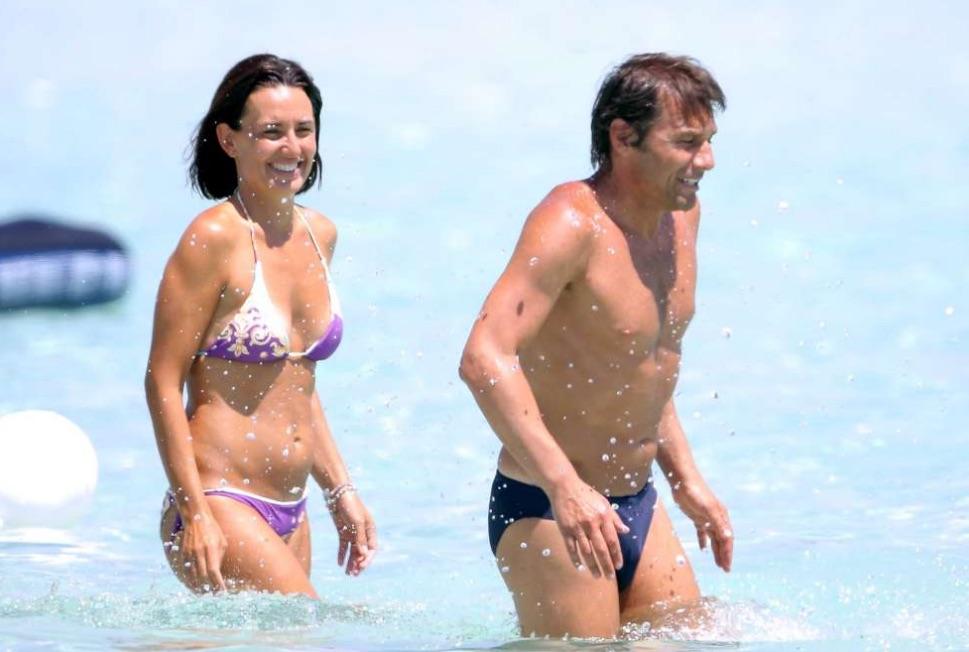 Elisabetta Muscarello and Antonio Conte in sea