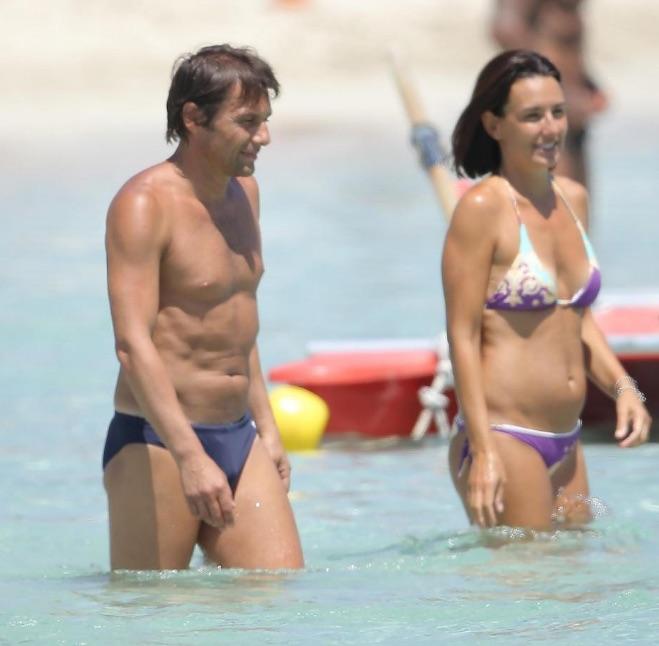 Elisabetta Muscarello and Antonio Conte in swinwear