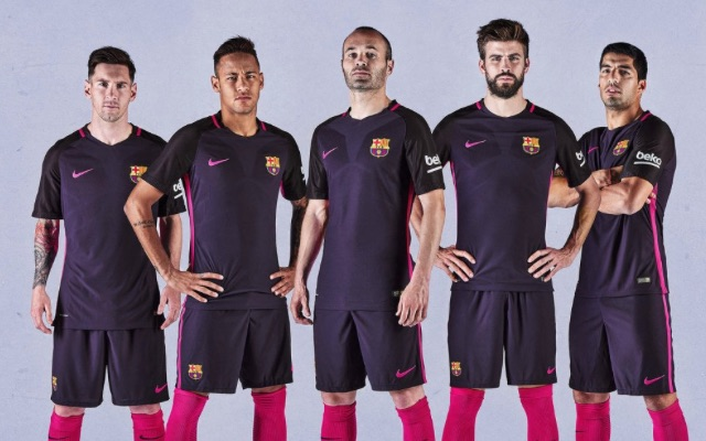finest selection a62a9 dce40 Barcelona away kit 2016-17 (photos): Messi & co to wear pink ...