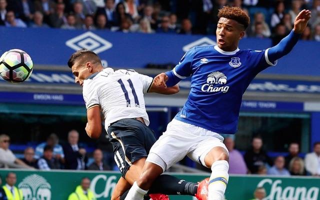 Erik Lamela scores with his head at Everton