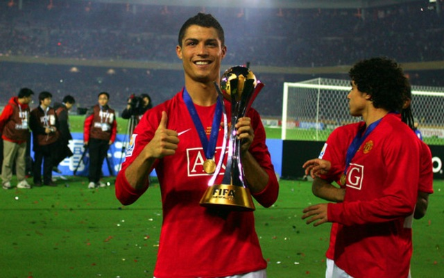 Cristiano Ronaldo with 2008 Club World Cup as Man United player