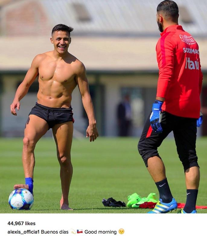 Alexis Sanchez in Chile training