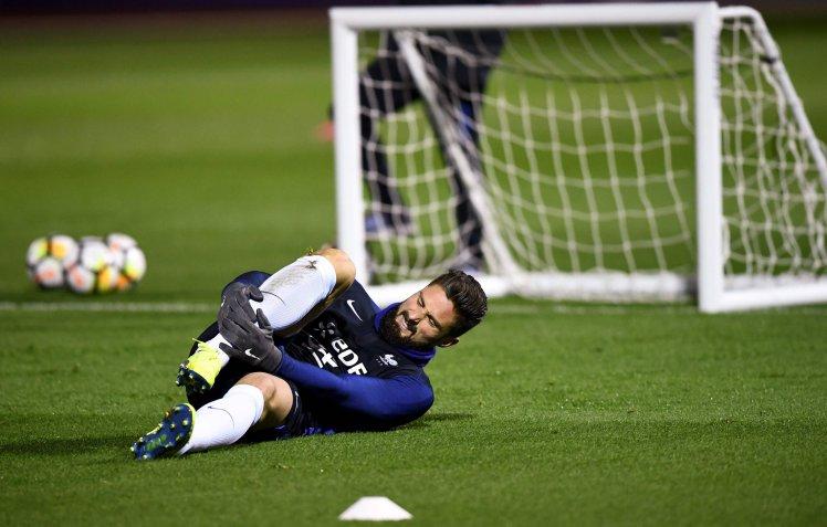 Giroud injury scare Arsenal