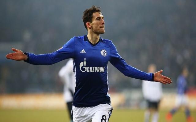 Goretzka Schalke celebrates