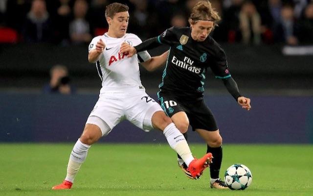 Harry Winks v Luka Modric