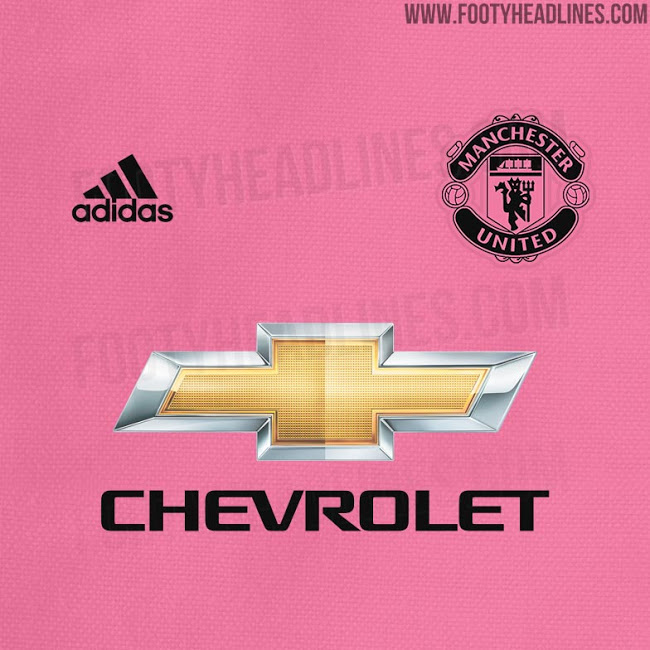 Man Utd pink away kit