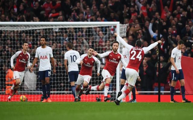 Mustafi celebrates Arsenal vs Tottenham