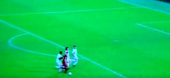 Edin Dzeko surrounded by Chelsea defenders
