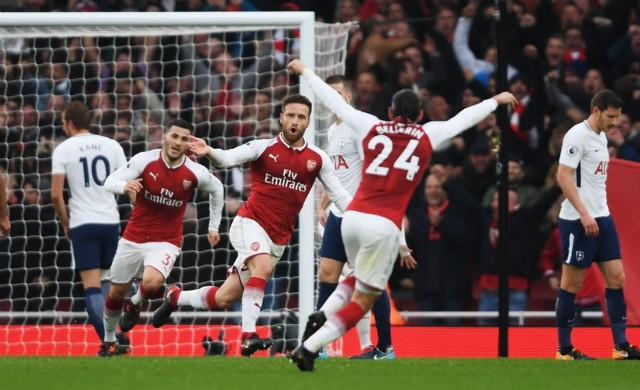 Shkodran Mustafi scores for Arsenal vs Tottenham
