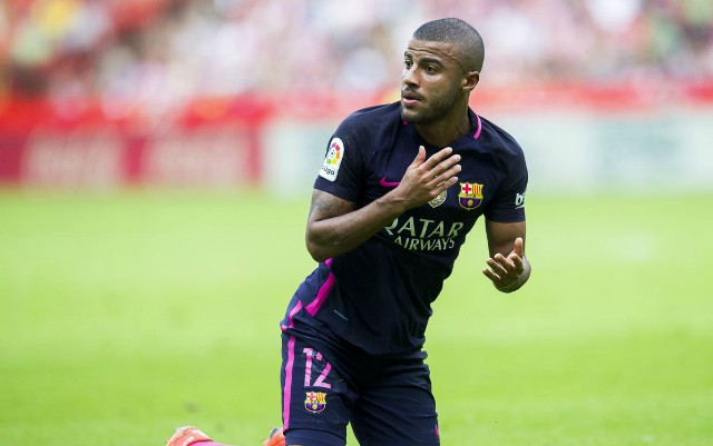 Rafinha in action for Barcelona