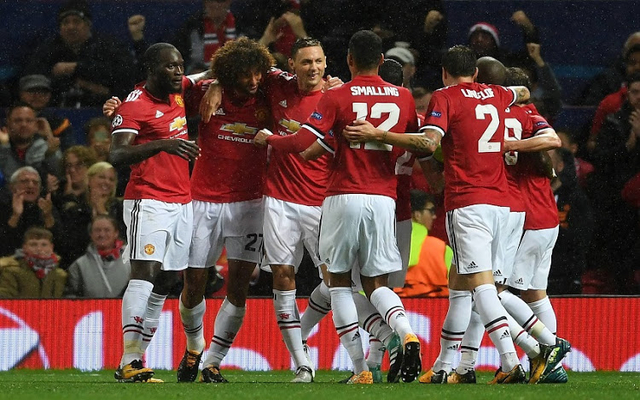 Man Utd Fellaini celebrates