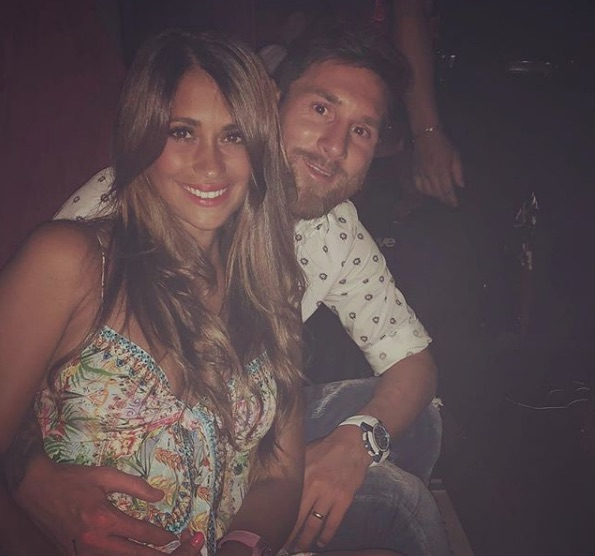 """Antonella Roccuzzo poses with Lionel Messi and wrote: """"About last night"""""""