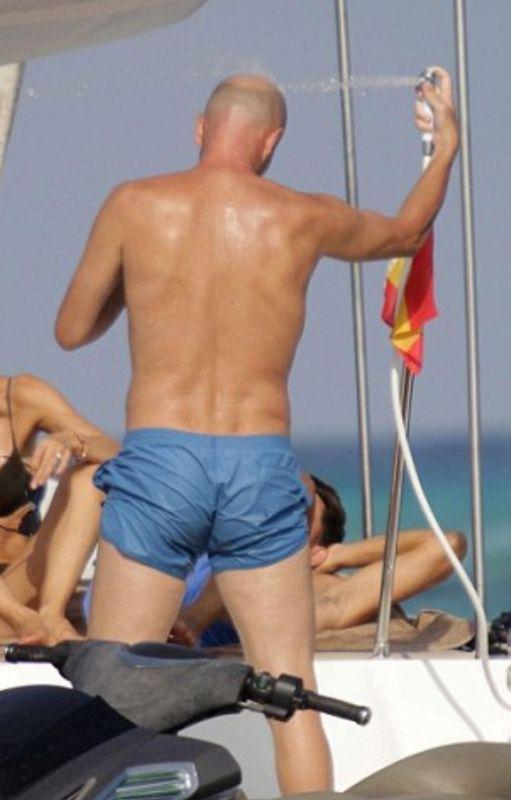 zidane on holiday