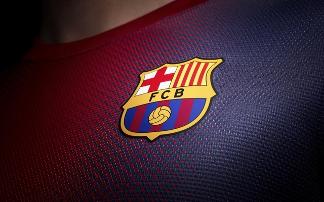 Fans react to Barcelona squad for valencia clash