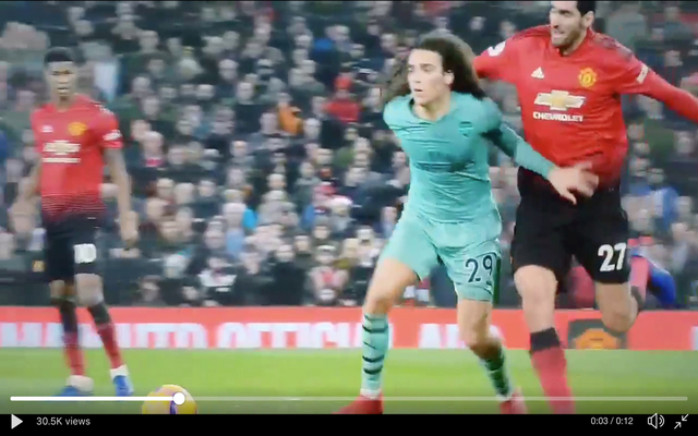 Fellaini pulls Guendouzi's hair during United vs Arsenal