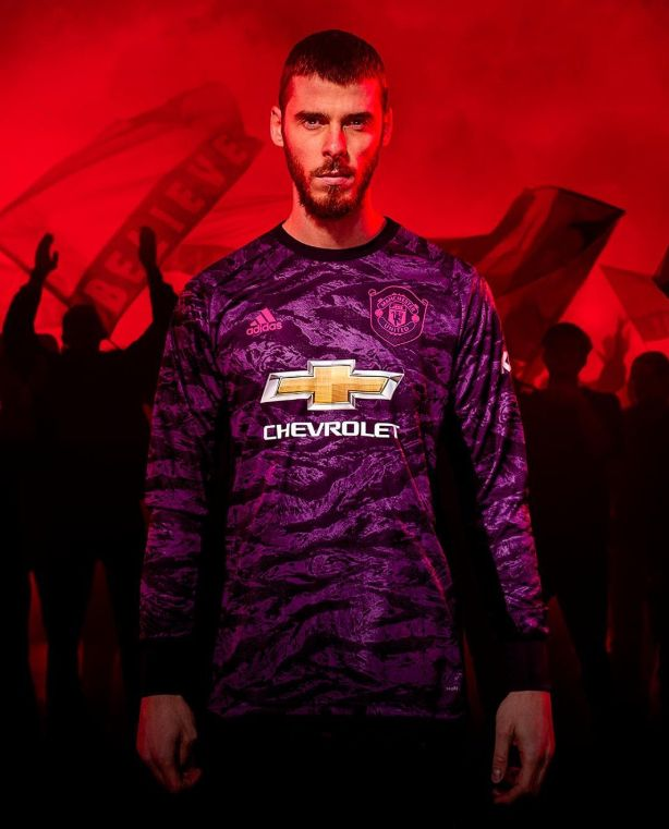 online store 08a5d be93c Manchester United 2019/20 new home kit pictures