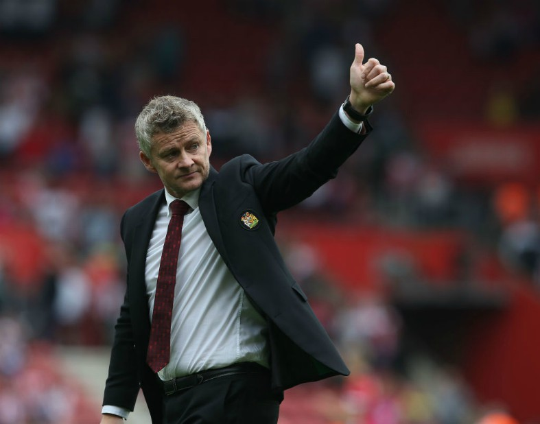 https://icdn.caughtoffside.com/wp-content/uploads/2019/10/solskjaer-thumbs-up.jpg