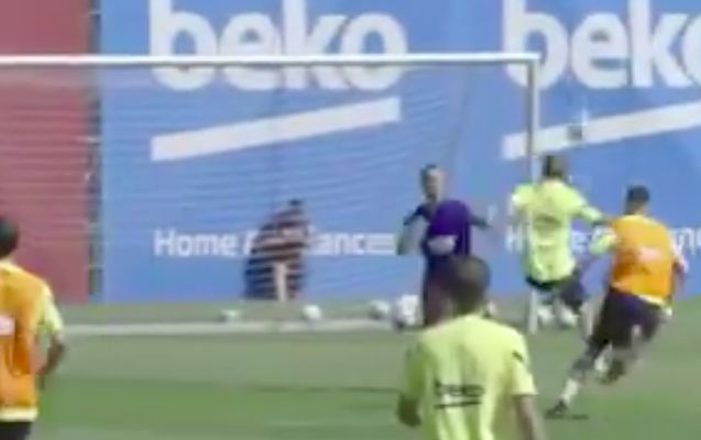 Griezmann scores lob in Barcelona training session