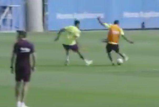 Suarez sharp as he buries goal in Barcelona training