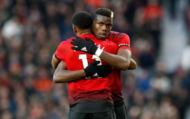Martial hugs Pogba