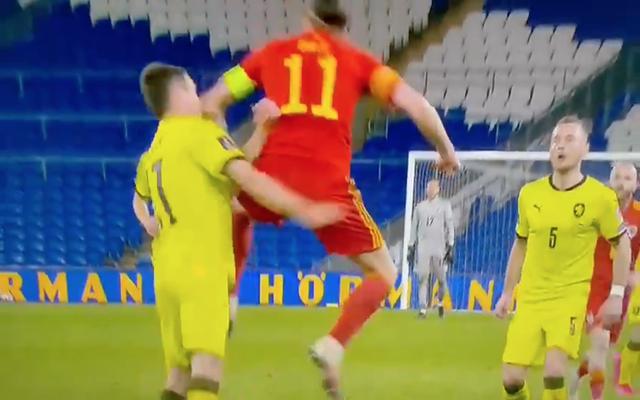 Video-Bale-elbows-Ondrej-Kudela-as-Wales