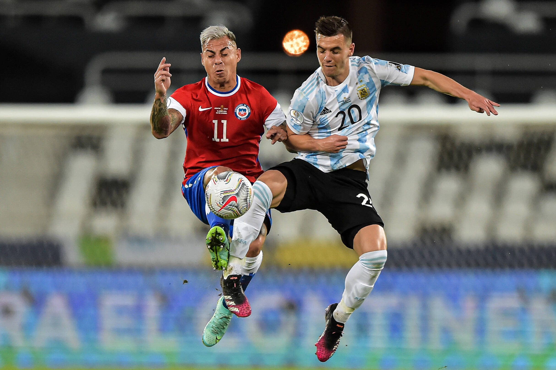 (Video) Emiliano Martínez makes penalty-kick save for Argentina; Chile's Eduardo Vargas scores
