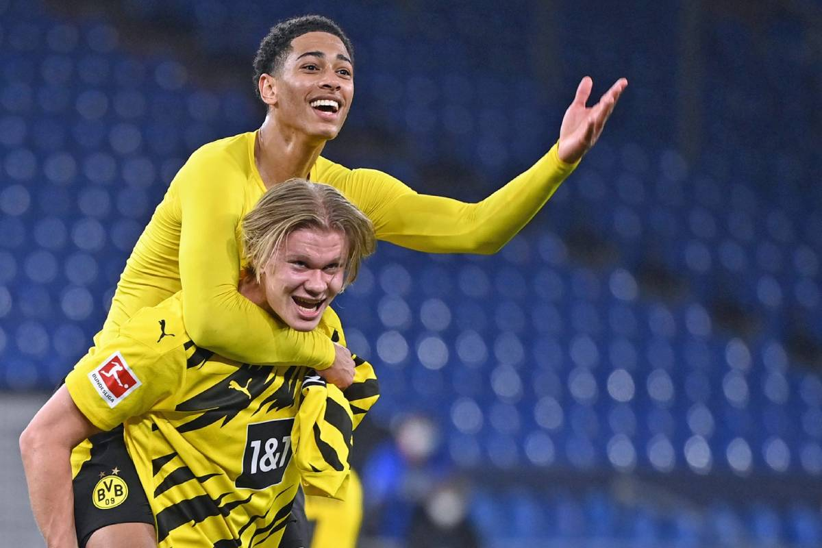 Chelsea target set to disappoint Blues by signing new Borussia Dortmund contract