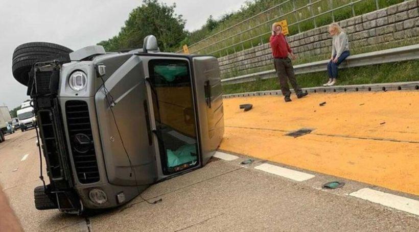 Cầu thủ Arsenal dính tai nạn giao thông nghiêm trọng