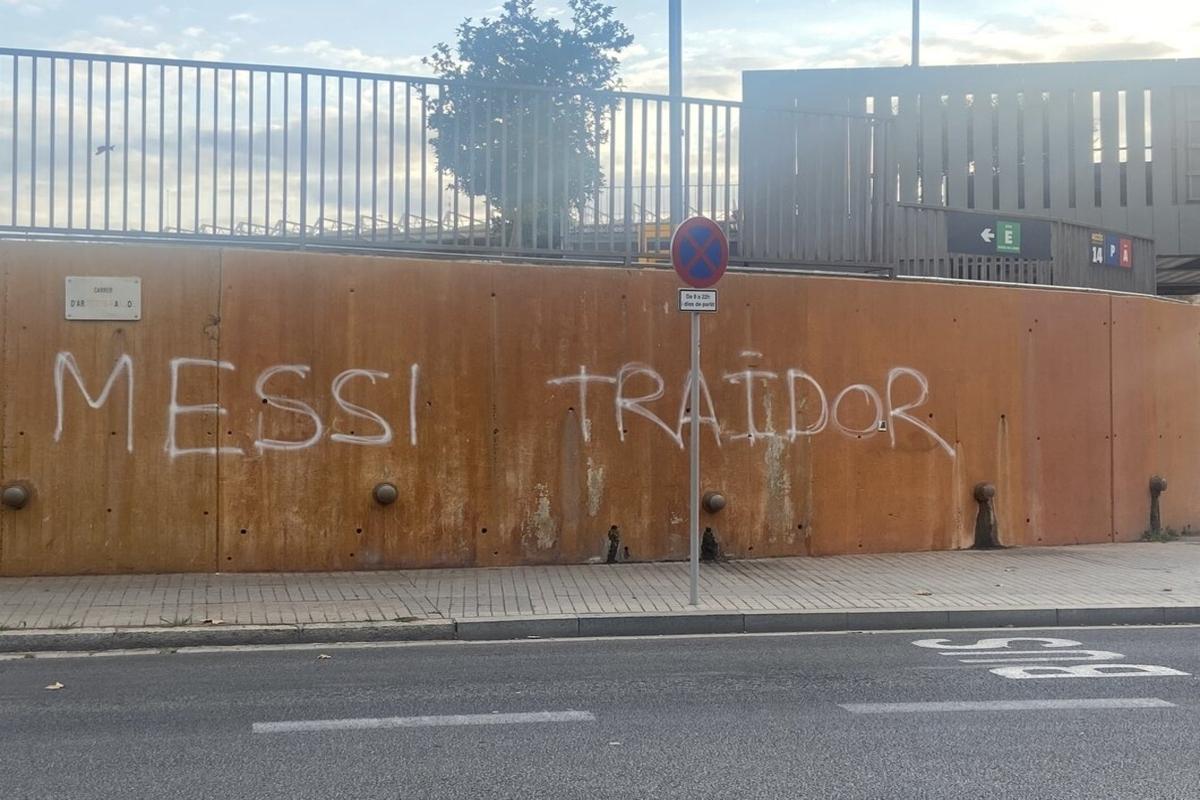 Barcelona xóa bỏ thông điệp vu khống Messi