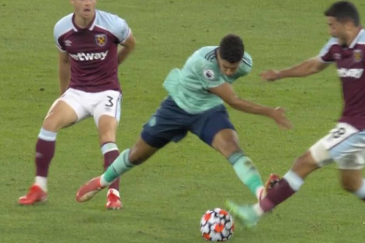 Ayoze Perez red card offence during West Ham vs Leicester City