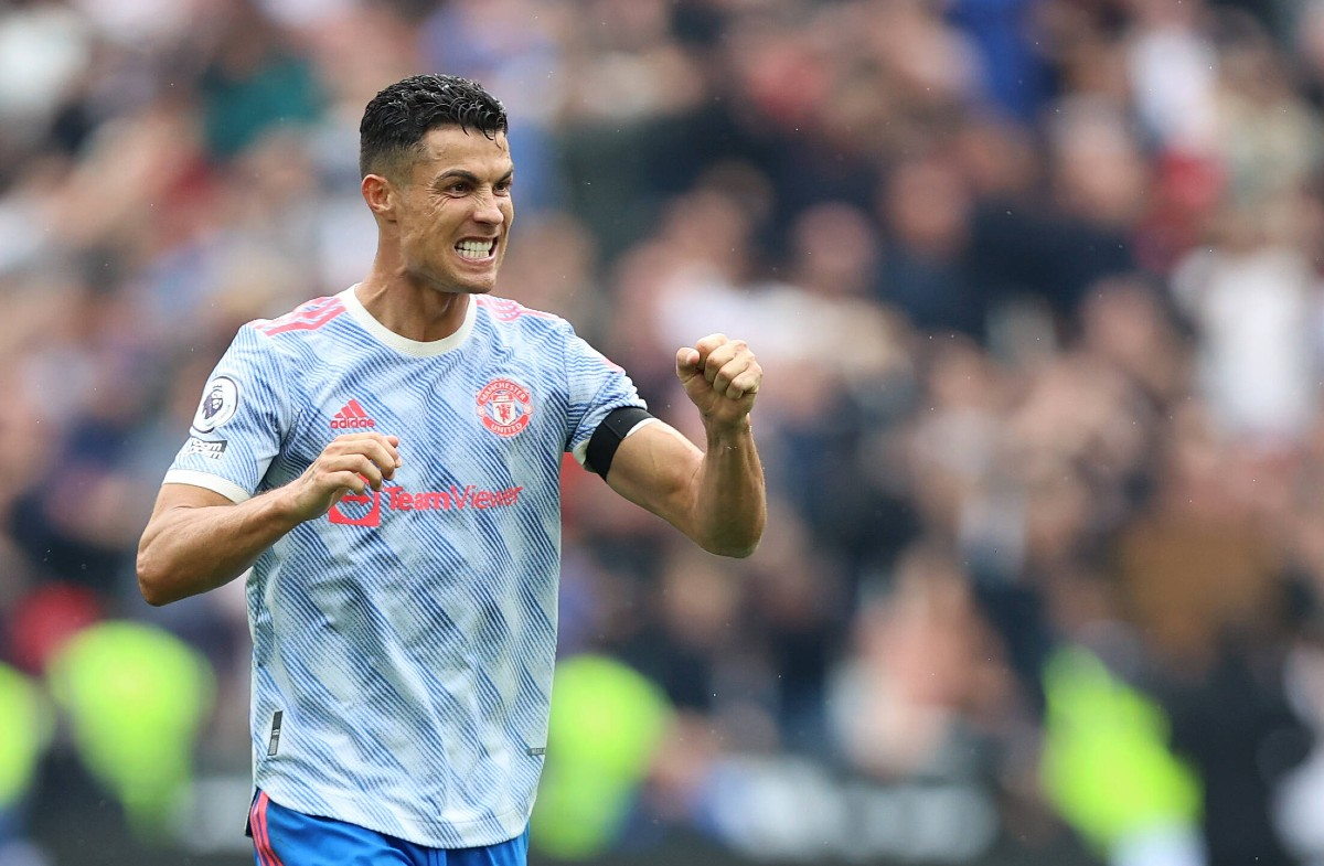 Ex-Man United man jokes Cristiano Ronaldo is not human after 4th goal in 3  games