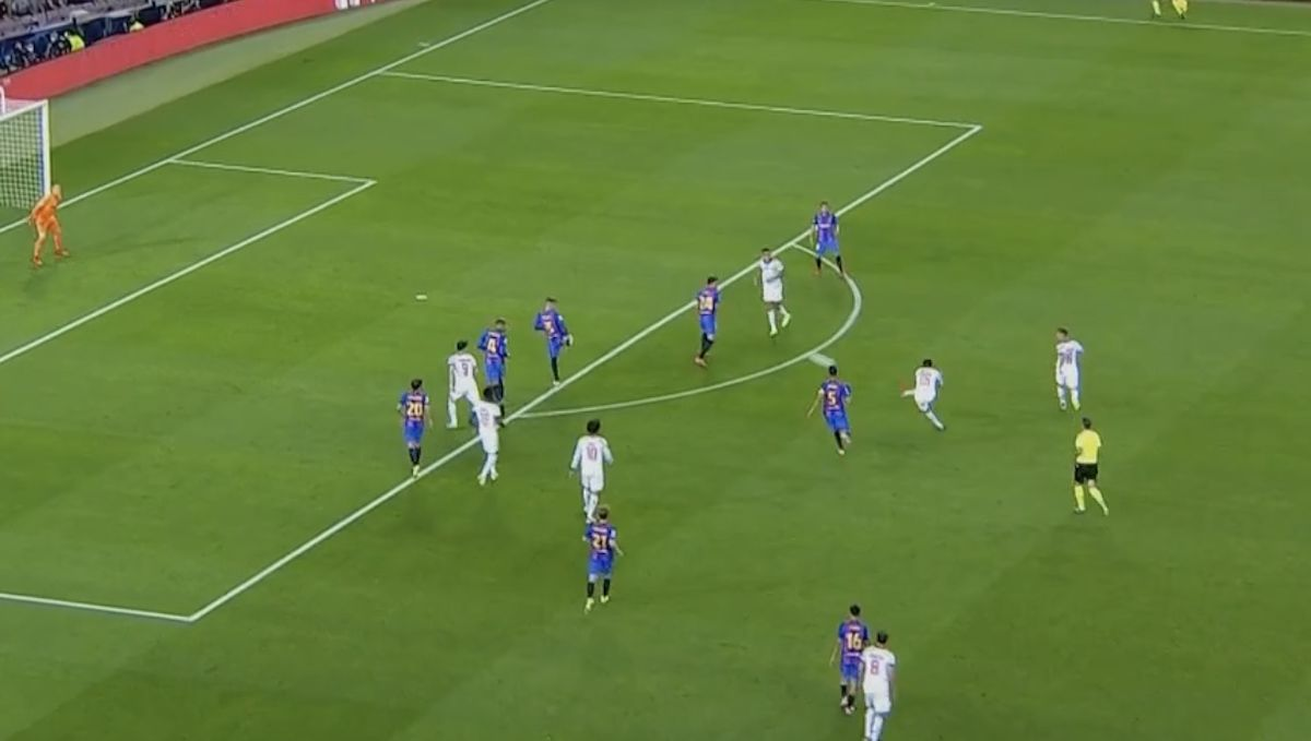 (Video) Thomas Muller fires Bayern Munich into Champions League lead vs. Barcelona