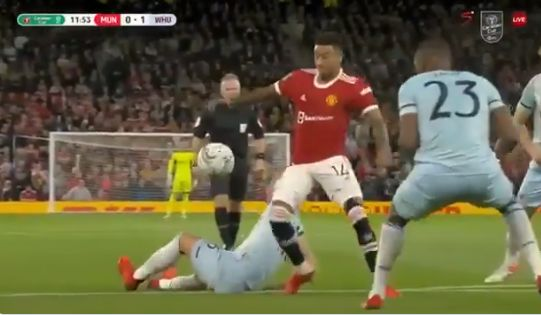 noble grabs lingard | Últimas Noticias Futbol Mundial